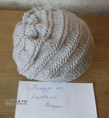 Серая вязаная шапка с полосками. Работа Валерии. Вязание спицами.