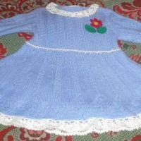 Платье спицами для девочки. Работа Елены