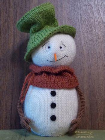 Как связать спицами снеговика. Вязание спицами.