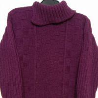 Модный женский свитер с шахматным узором. Работа Эвелины Никандровой