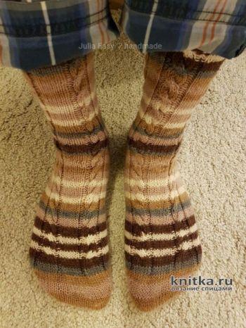 Вязаные мужские носки спицами с пяткой бумеранг