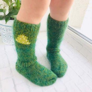 Пинетки-носочки спицами для новорожденного малыша