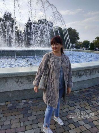 Женский кардиган с рельефной косой, описание и подробный мастер-класс