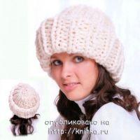 Теплая шапочка, связанная спицами