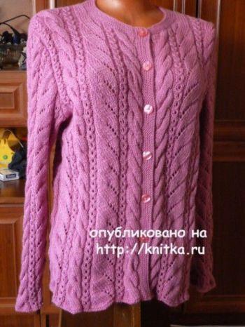 Вязаный спицами жакет для женщин. Работа Марины Ефименко