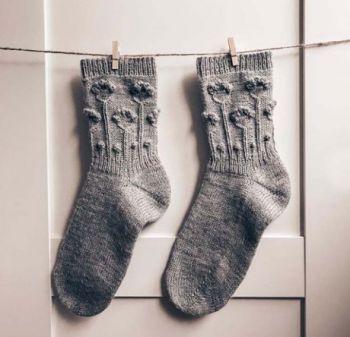 Носки спицами Flower socks с пяткой бумеранг