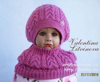 Комплект: шапочка и шарф - хомут для девочки спицами