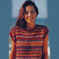 Женский пуловер, связанный спицами