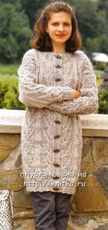 Вязаное пальто для девочки спицами на 13-15 лет