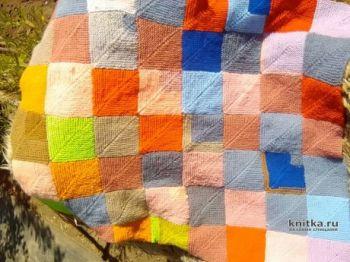 Плед Уютный, связанный спицами из квадратных мотивов