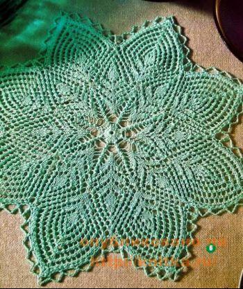Зеленая салфетка. Вязание спицами.