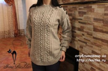 Объемный женский свитер спицами с косами от Ирины