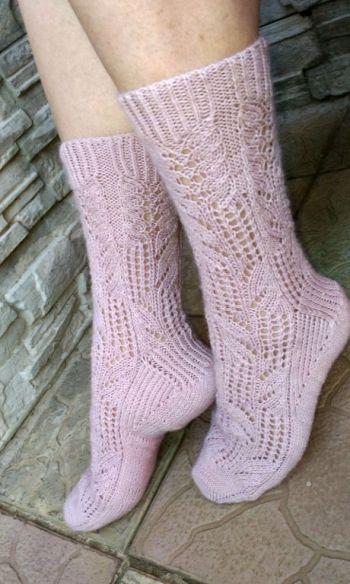 Ажурные носки Колумбина спицами