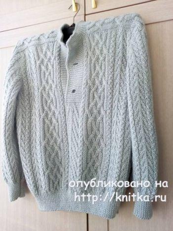 Мужской свитер спицами с аранами. Работа Татьяны Ивановны