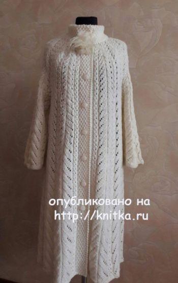 Ажурное пальто Осенний блюз связано спицами для женщин