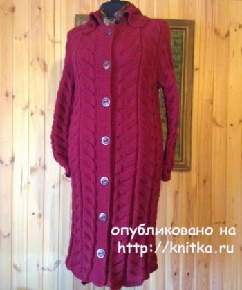 Вязаное спицами пальто для женщин от Петровой Виктории