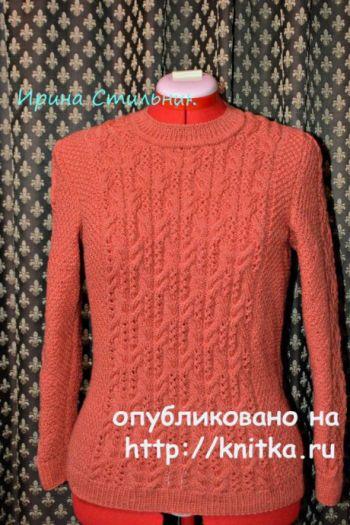 Женский свитер спицами. Работа Ирины Стильник