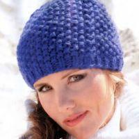 Синяя шапочка связанная спицами