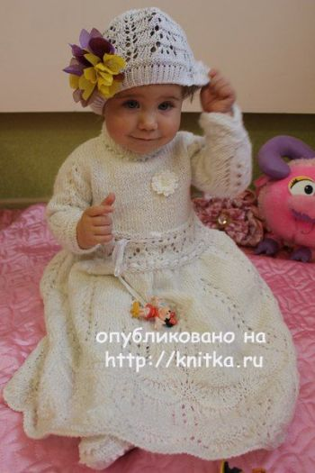 Крестильное платье спицами. Автор Любовь Афанасьева
