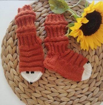 Традиционные вязаные финские носочки для детей