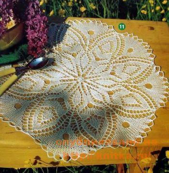 Салфетка с листьями. Вязание спицами.