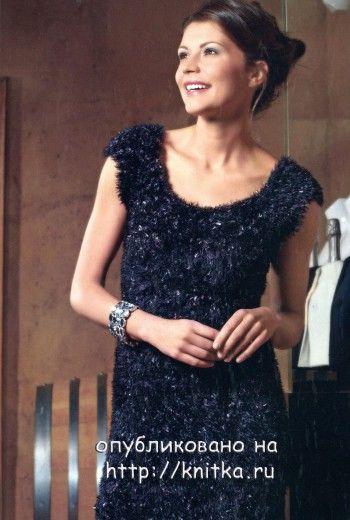 Черное платье, связанное спицами. Вязание спицами.