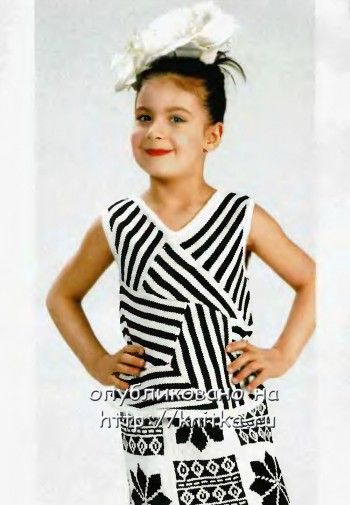 Черно-белый топ (майка) для девочки. Вязание спицами.
