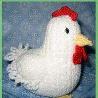 Вязаная игрушка курица – несушка