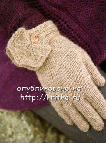 Перчатки с декоративными манжетами. Вязание спицами.