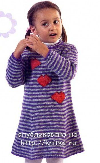 Полосатое платье для девочки, связанное спицами. Вязание спицами.