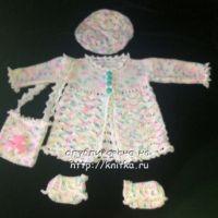 Комплект для девочки, связанный спицами