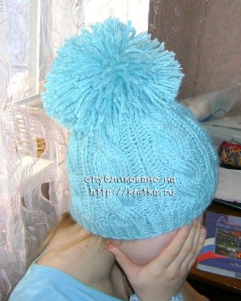 Вязаная шапочка с косами. Вязание спицами.