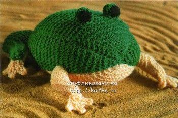 Вязаная игрушка – лягушка. Вязание спицами.