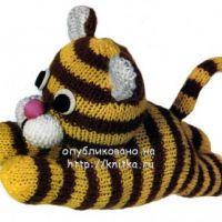 Вязаная игрушка – тигренок