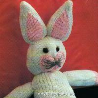 Вязаная игрушка зайчик