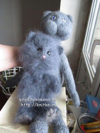 Пушистые игрушки – работы Наталии. Вязание спицами.