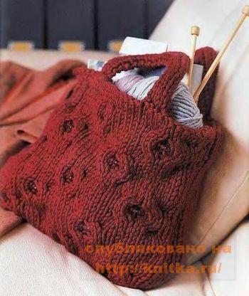 Клюквенная сумочка. Вязание спицами.