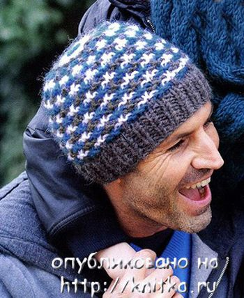 Разноцветная шапка спицами. Вязание спицами.