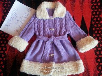 """Пальто """"Снегурочка"""" связано для девочки спицами"""