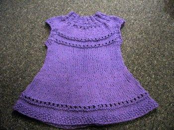 Детское платье фиалка. Вязание спицами.