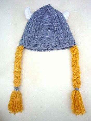Шапочка – викинг. Вязание спицами.