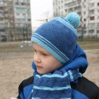 Шапка и шарф для мальчика спицами