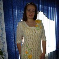 Вязаное спицами платье – работа Риммы Сурковой